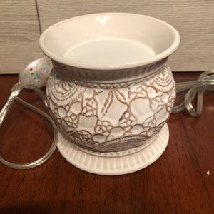 Gold Canyon Accents - Gold Canyon vintage lace wax pod warmer